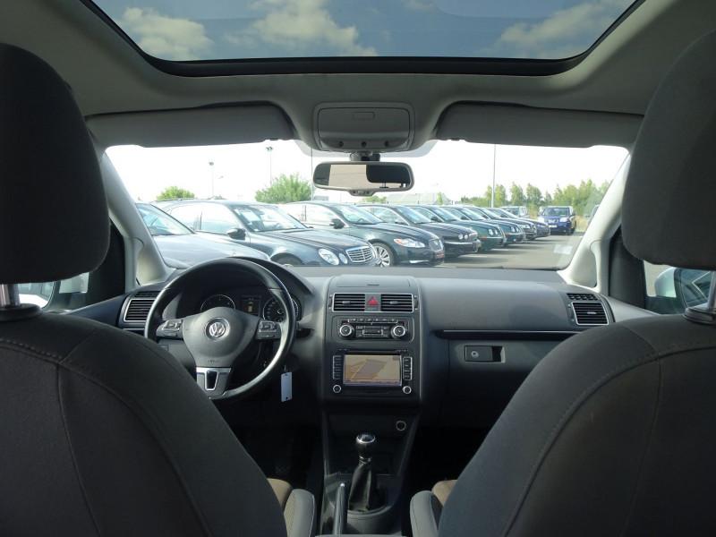 Photo 14 de l'offre de VOLKSWAGEN TOURAN 2.0 TDI 140CH FAP CONFORTLINE BUSINESS à 8890€ chez International Auto Auneau