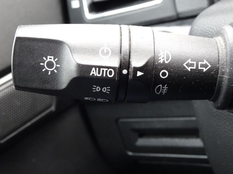 Photo 16 de l'offre de CHEVROLET CAPTIVA 2.2 VCDI184 LTZ BA AWD à 11990€ chez International Auto Auneau