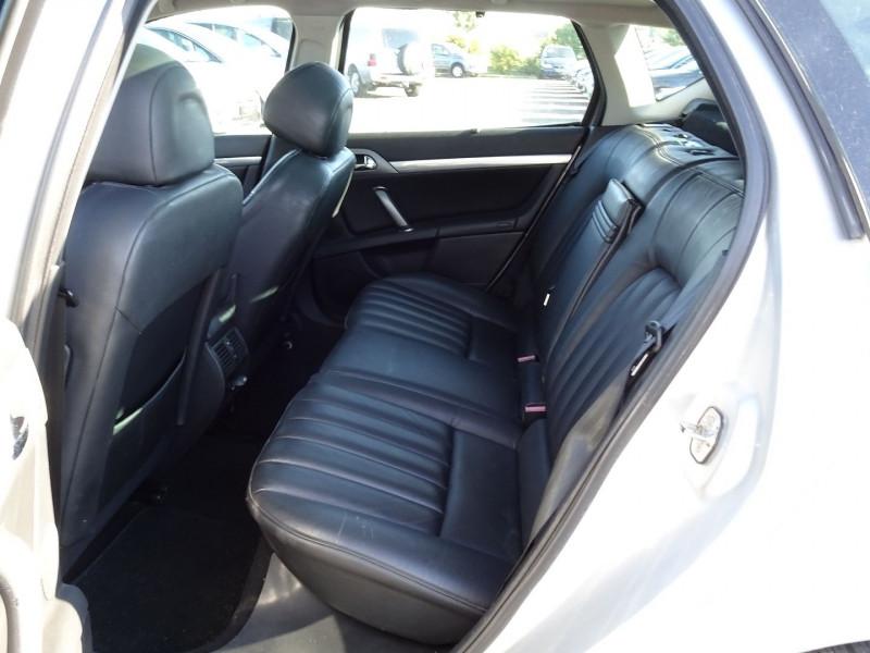 Photo 3 de l'offre de PEUGEOT 407 SW 2.0 HDI136 GRIFFE à 5890€ chez International Auto Auneau