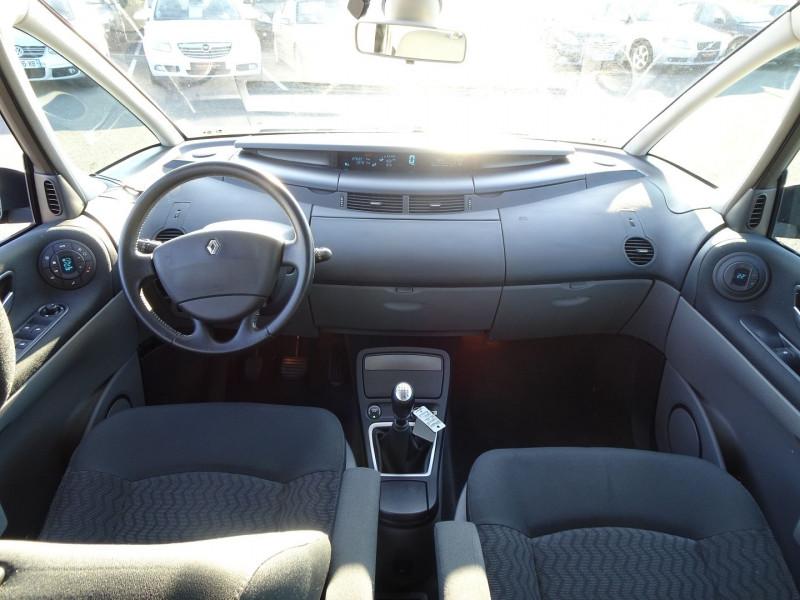 Photo 11 de l'offre de RENAULT ESPACE IV 2.0 DCI 130CH EXPRESSION à 7690€ chez International Auto Auneau