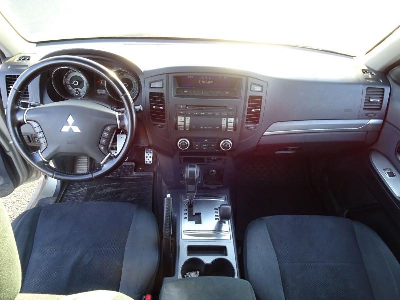 Photo 14 de l'offre de MITSUBISHI PAJERO 3.2 DI-D170 INTENSE BA 3P à 12890€ chez International Auto Auneau