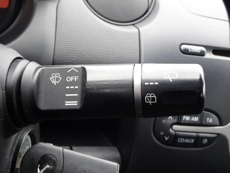 Photo 14 de l'offre de MAZDA MAZDA 2 1.3 MZR ELEGANCE 5P à 4990€ chez International Auto Auneau