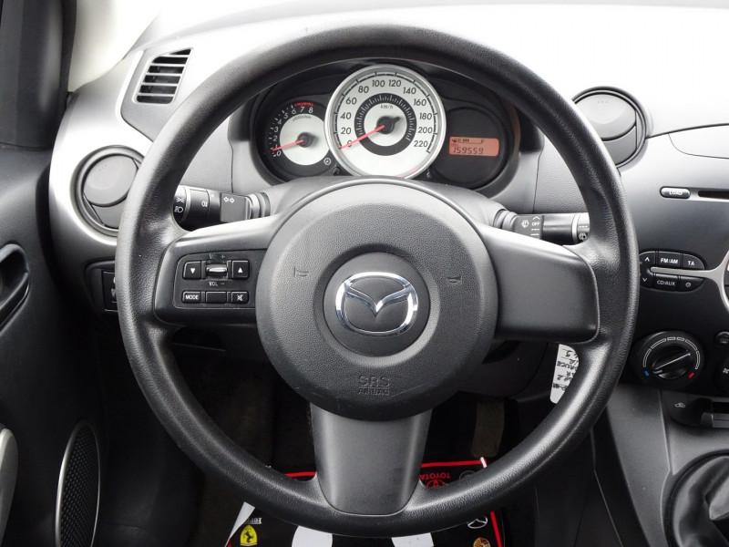 Photo 16 de l'offre de MAZDA MAZDA 2 1.3 MZR ELEGANCE 5P à 4990€ chez International Auto Auneau