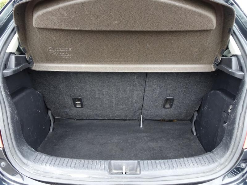 Photo 6 de l'offre de MAZDA MAZDA 2 1.3 MZR ELEGANCE 5P à 4990€ chez International Auto Auneau