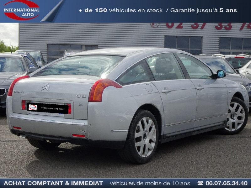 Photo 2 de l'offre de CITROEN C6 2.7 V6 HDI LIGNAGE FAP à 10490€ chez International Auto Auneau