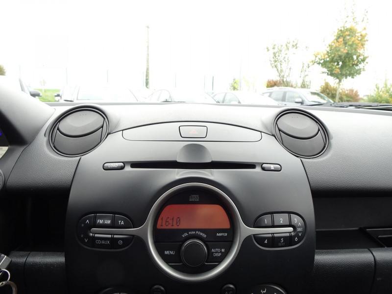 Photo 19 de l'offre de MAZDA MAZDA 2 1.3 MZR ELEGANCE 5P à 4990€ chez International Auto Auneau