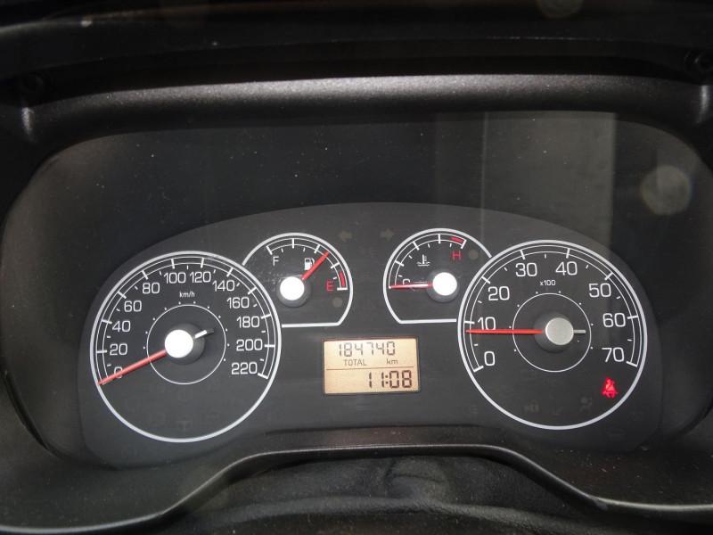 Photo 13 de l'offre de FIAT PUNTO 1.3 MULTIJET 16V 70CH CULT II 3P à 3890€ chez International Auto Auneau