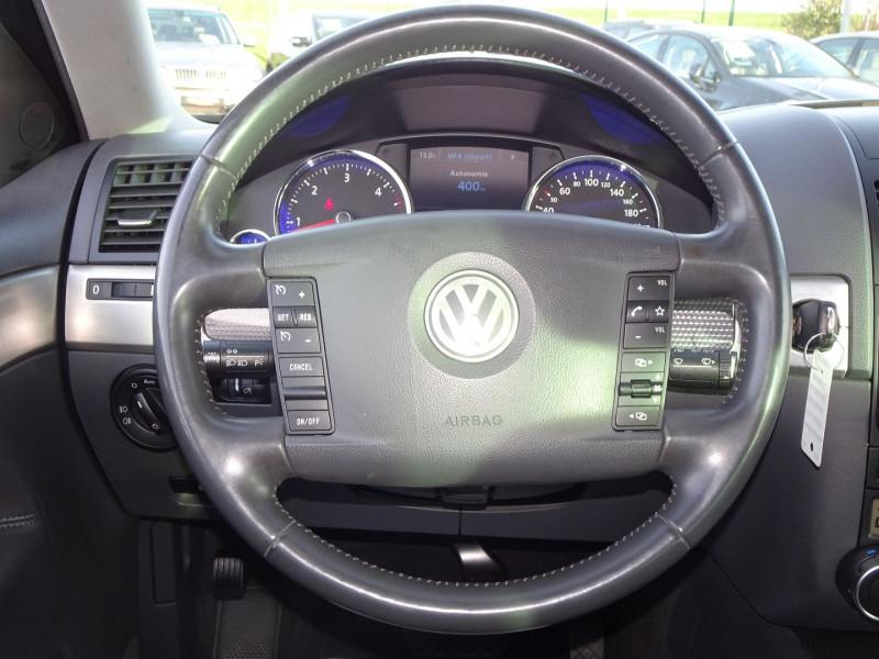 Photo 18 de l'offre de VOLKSWAGEN TOUAREG 3.0 V6 TDI 240CH DPF CARAT TIPTRONIC à 14990€ chez International Auto Auneau