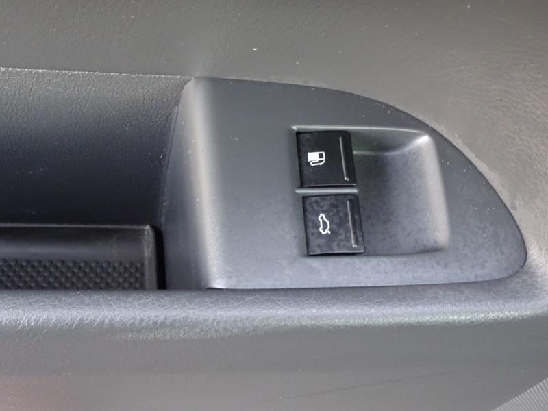 Photo 10 de l'offre de VOLKSWAGEN TOUAREG 3.0 V6 TDI 240CH DPF CARAT TIPTRONIC à 14990€ chez International Auto Auneau