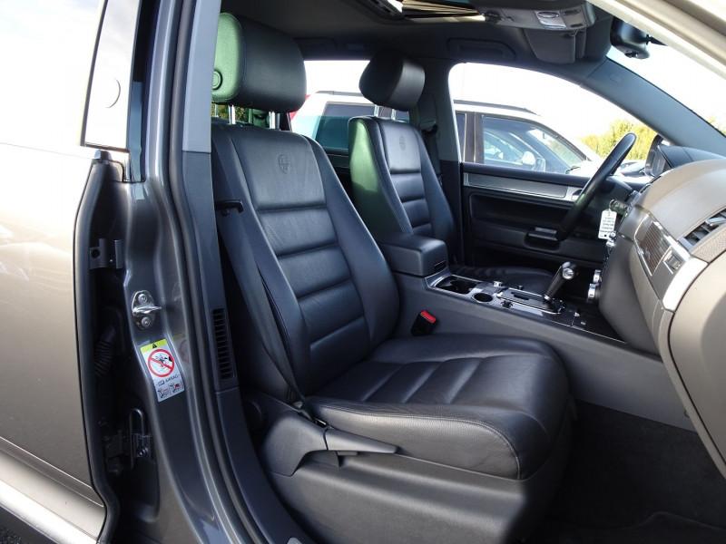 Photo 7 de l'offre de VOLKSWAGEN TOUAREG 3.0 V6 TDI 240CH DPF CARAT TIPTRONIC à 14990€ chez International Auto Auneau