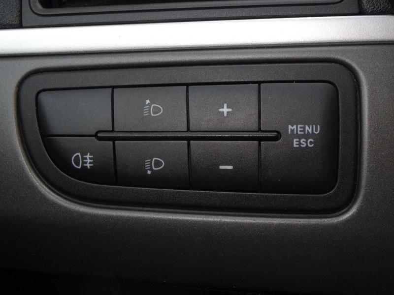 Photo 10 de l'offre de FIAT PUNTO 1.3 MULTIJET 16V 70CH CULT II 3P à 3890€ chez International Auto Auneau