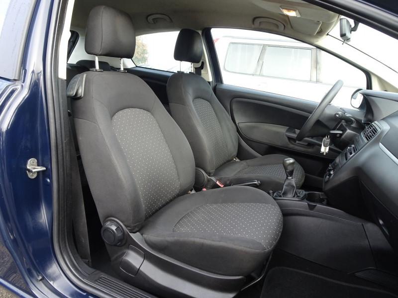 Photo 7 de l'offre de FIAT PUNTO 1.3 MULTIJET 16V 70CH CULT II 3P à 3890€ chez International Auto Auneau