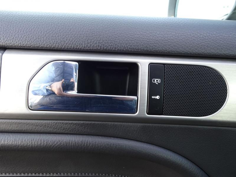 Photo 8 de l'offre de VOLKSWAGEN TOUAREG 3.0 V6 TDI 240CH DPF CARAT TIPTRONIC à 14990€ chez International Auto Auneau