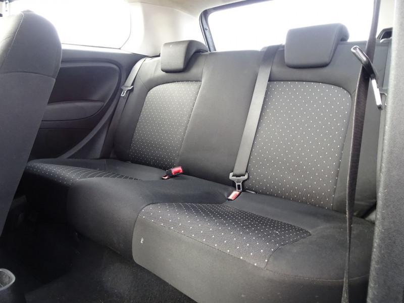 Photo 4 de l'offre de FIAT PUNTO 1.3 MULTIJET 16V 70CH CULT II 3P à 3890€ chez International Auto Auneau
