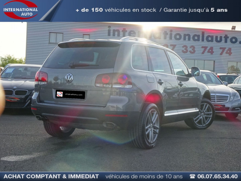 Photo 2 de l'offre de VOLKSWAGEN TOUAREG 3.0 V6 TDI 240CH DPF CARAT TIPTRONIC à 14990€ chez International Auto Auneau