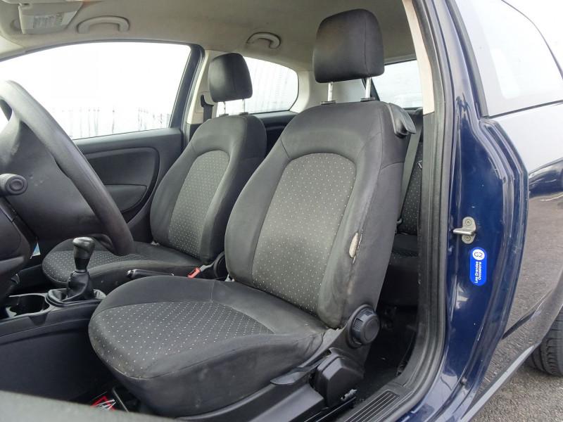 Photo 3 de l'offre de FIAT PUNTO 1.3 MULTIJET 16V 70CH CULT II 3P à 3890€ chez International Auto Auneau