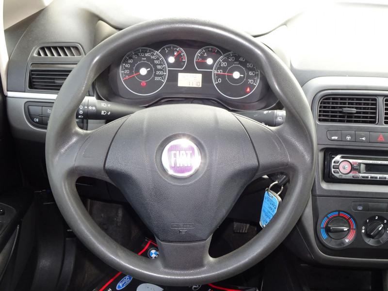 Photo 14 de l'offre de FIAT PUNTO 1.3 MULTIJET 16V 70CH CULT II 3P à 3890€ chez International Auto Auneau