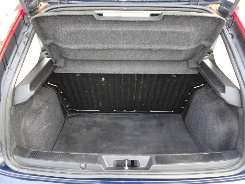 Photo 5 de l'offre de FIAT PUNTO 1.3 MULTIJET 16V 70CH CULT II 3P à 3890€ chez International Auto Auneau