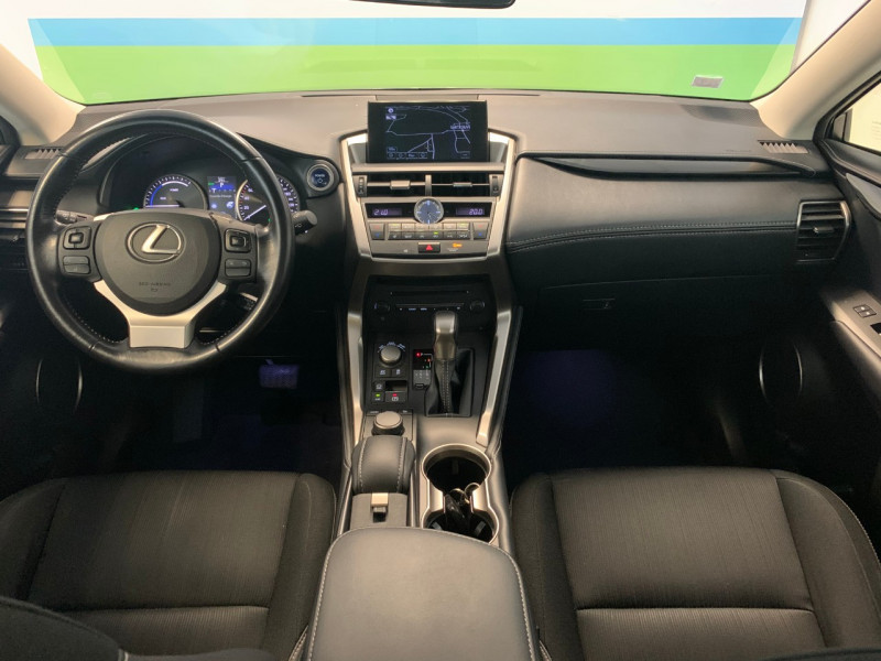 Photo 8 de l'offre de LEXUS NX 300H 2WD BUSINESS à 22500€ chez Greencar France