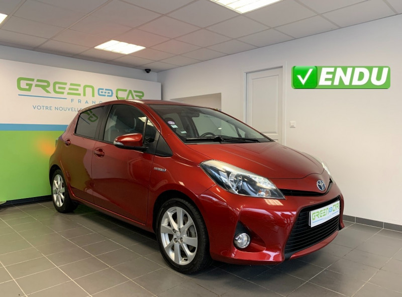 Toyota YARIS HSD 100H STYLE 5P Hybride ROUGE METALLISE Occasion à vendre