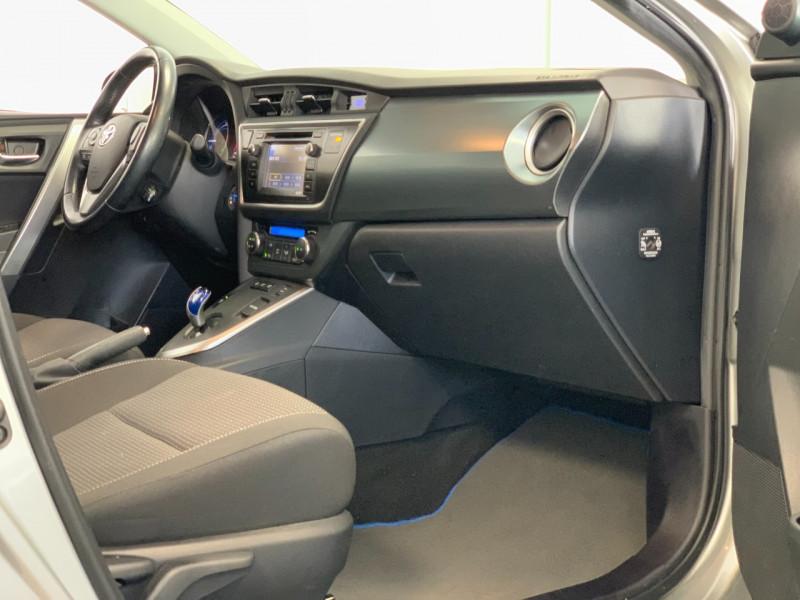 Photo 7 de l'offre de TOYOTA AURIS HSD 136H BUSINESS 15  à 11980€ chez Greencar France