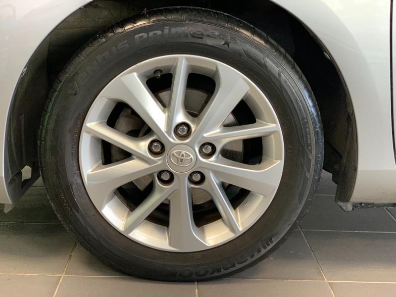 Photo 5 de l'offre de TOYOTA AURIS HSD 136H BUSINESS 15  à 11980€ chez Greencar France