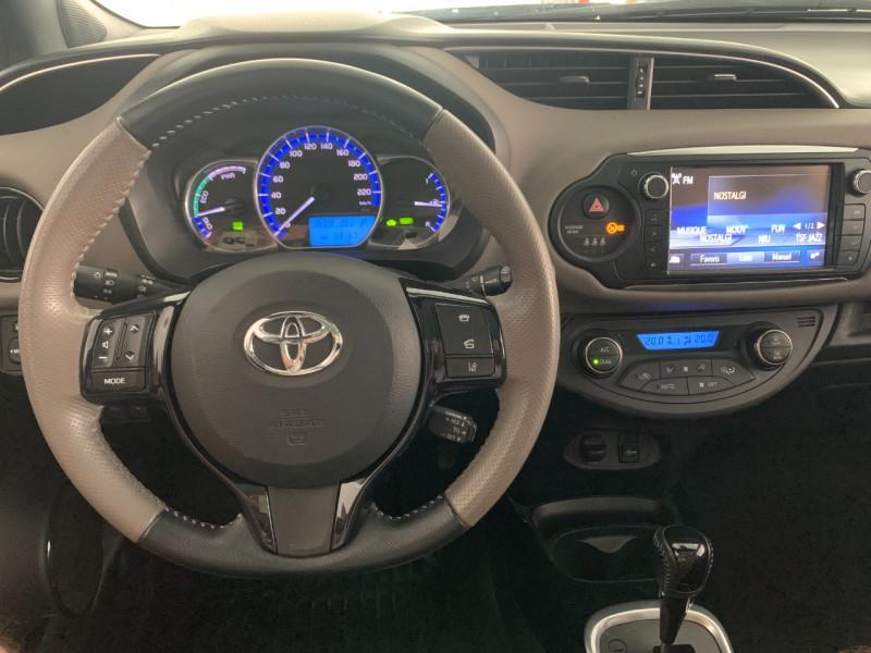 Photo 9 de l'offre de TOYOTA YARIS HSD 100H COLLECTION 5P à 11480€ chez Greencar France
