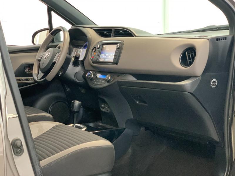 Photo 6 de l'offre de TOYOTA YARIS HSD 100H COLLECTION 5P à 11480€ chez Greencar France