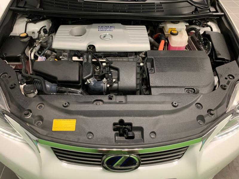 Photo 14 de l'offre de LEXUS CT 200H SENSATION à 11980€ chez Greencar France