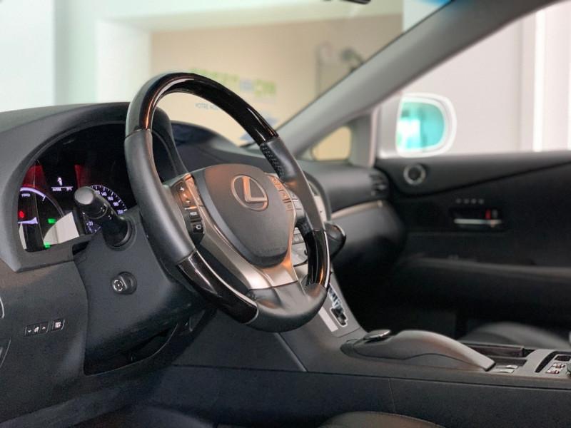 Photo 12 de l'offre de LEXUS RX 450H 4WD DESIGN à 27980€ chez Greencar France