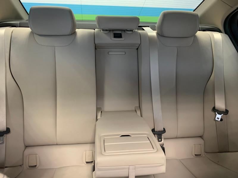 Photo 8 de l'offre de BMW SERIE 3 (F30) 330EA 252CH LOUNGE PLUS à 24500€ chez Greencar France