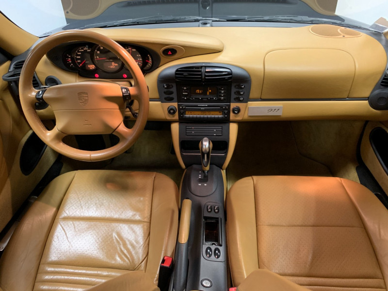 Photo 22 de l'offre de PORSCHE 911 COUPE (996) 300CH CARRERA S TIPTRONIC à 33000€ chez Greencar France