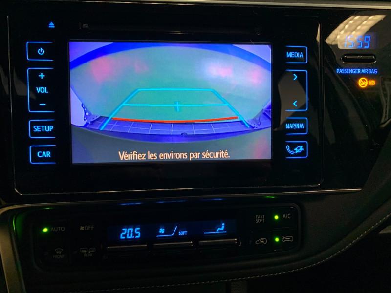 Photo 10 de l'offre de TOYOTA AURIS HSD 136H DESIGN BUSINESS à 11980€ chez Greencar France