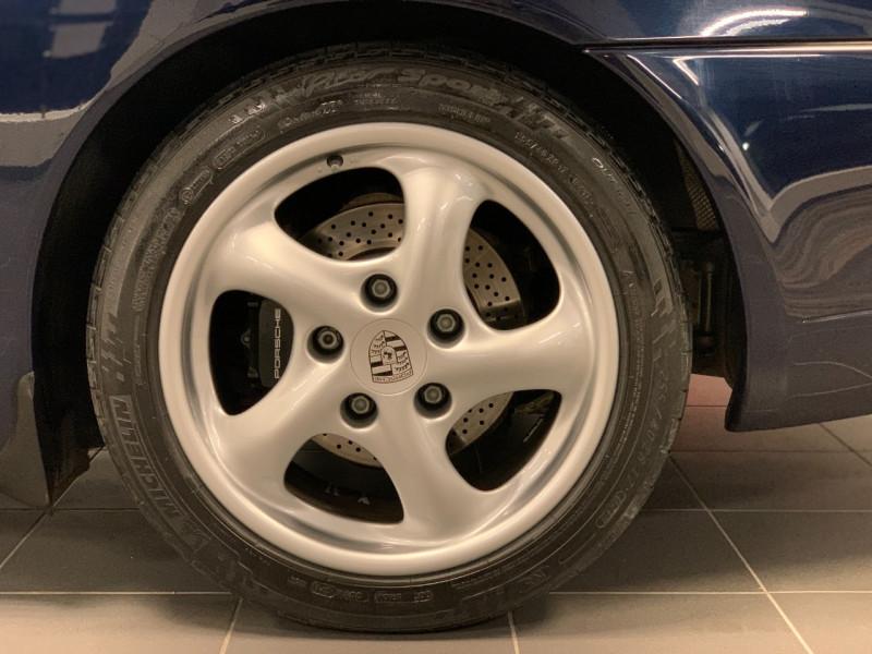 Photo 20 de l'offre de PORSCHE 911 COUPE (996) 300CH CARRERA S TIPTRONIC à 33000€ chez Greencar France