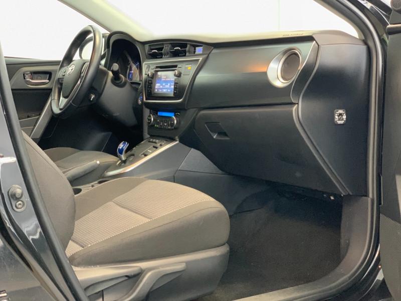 Photo 7 de l'offre de TOYOTA AURIS HSD 136H DYNAMIC à 12700€ chez Greencar France
