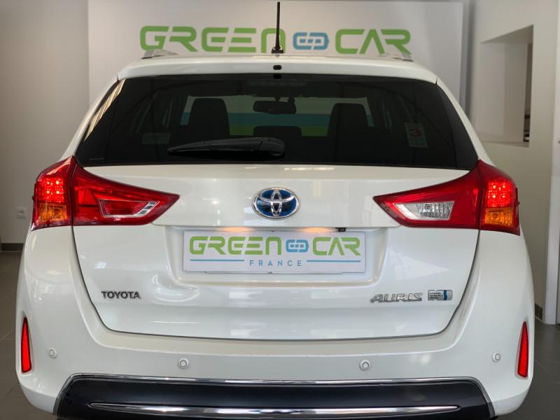 Photo 5 de l'offre de TOYOTA AURIS TOURING SPORTS HSD 136H STYLE à 12600€ chez Greencar France