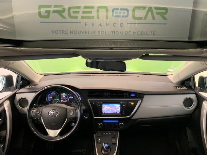 Photo 8 de l'offre de TOYOTA AURIS TOURING SPORTS HSD 136H STYLE à 12600€ chez Greencar France