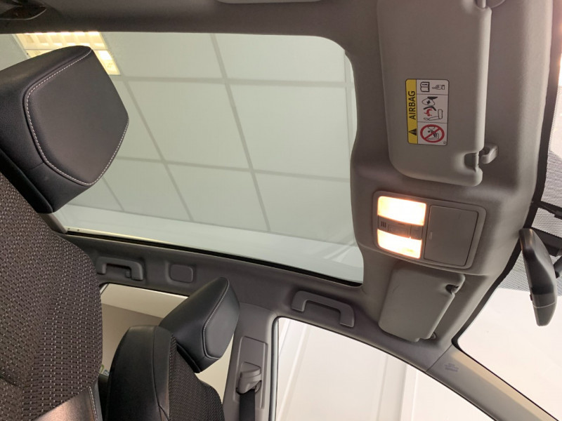 Photo 10 de l'offre de TOYOTA AURIS TOURING SPORTS HSD 136H STYLE à 12600€ chez Greencar France