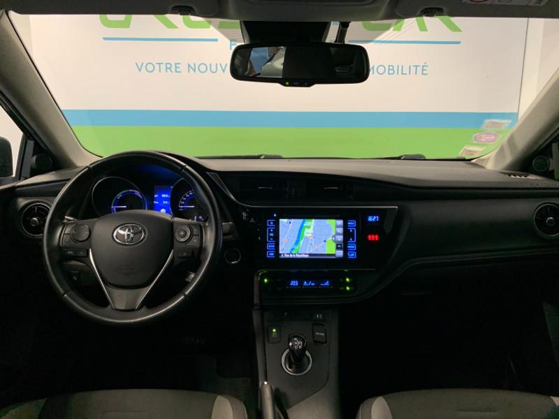 Photo 8 de l'offre de TOYOTA AURIS HSD 136H DESIGN BUSINESS à 11980€ chez Greencar France