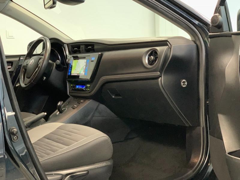 Photo 6 de l'offre de TOYOTA AURIS HSD 136H DESIGN BUSINESS à 11980€ chez Greencar France