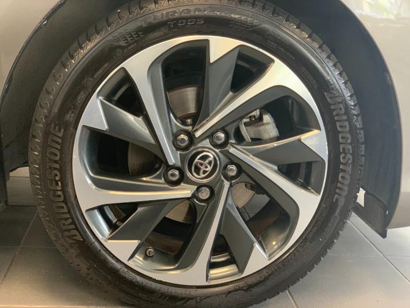 Photo 5 de l'offre de TOYOTA AURIS HSD 136H DESIGN BUSINESS à 13980€ chez Greencar France