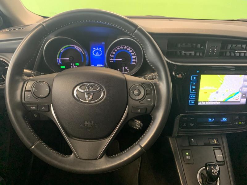 Photo 10 de l'offre de TOYOTA AURIS HSD 136H DESIGN BUSINESS à 13980€ chez Greencar France
