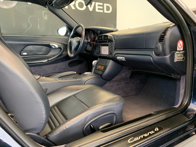 Photo 18 de l'offre de PORSCHE 911 CABRIOLET (996) 320CH CARRERA 4 TIPTRONIC à 48000€ chez Greencar France