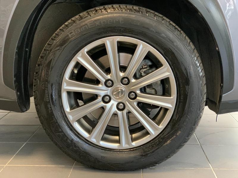 Photo 7 de l'offre de LEXUS NX 300H 2WD BUSINESS à 26500€ chez Greencar France