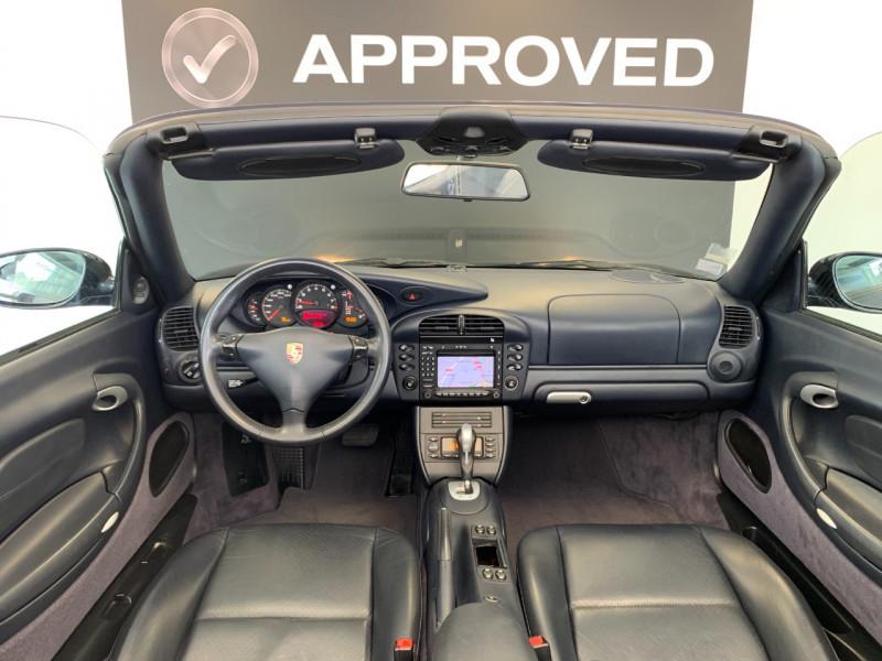 Photo 17 de l'offre de PORSCHE 911 CABRIOLET (996) 320CH CARRERA 4 TIPTRONIC à 48000€ chez Greencar France