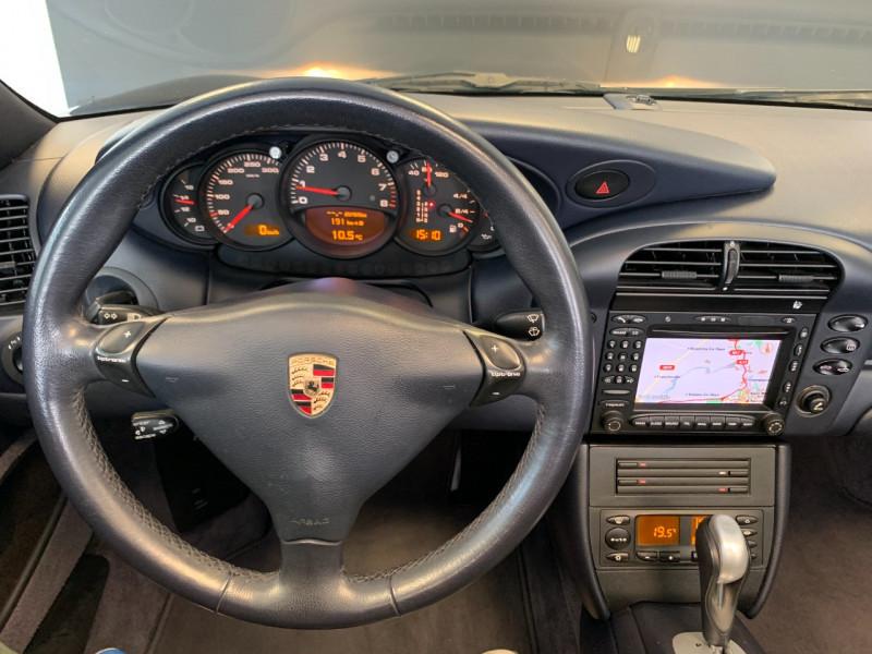 Photo 20 de l'offre de PORSCHE 911 CABRIOLET (996) 320CH CARRERA 4 TIPTRONIC à 48000€ chez Greencar France