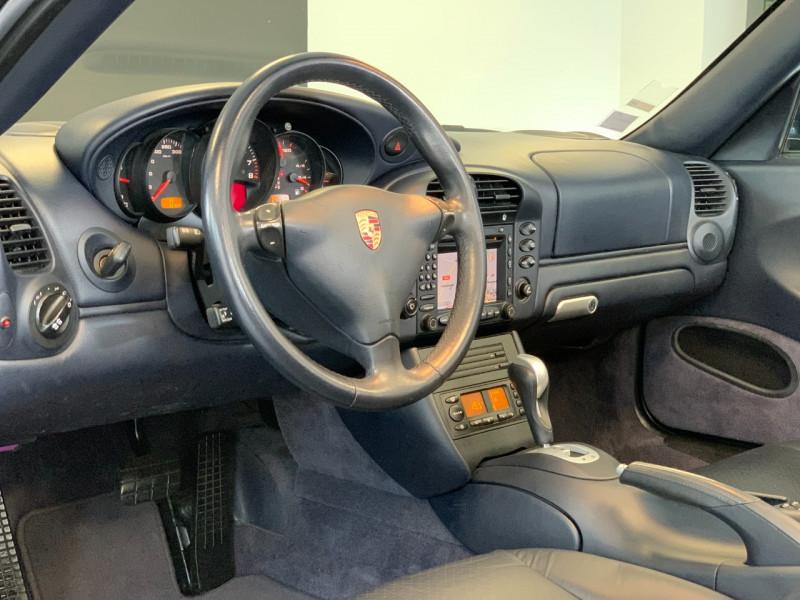 Photo 19 de l'offre de PORSCHE 911 CABRIOLET (996) 320CH CARRERA 4 TIPTRONIC à 48000€ chez Greencar France