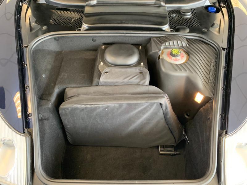 Photo 22 de l'offre de PORSCHE 911 CABRIOLET (996) 320CH CARRERA 4 TIPTRONIC à 48000€ chez Greencar France