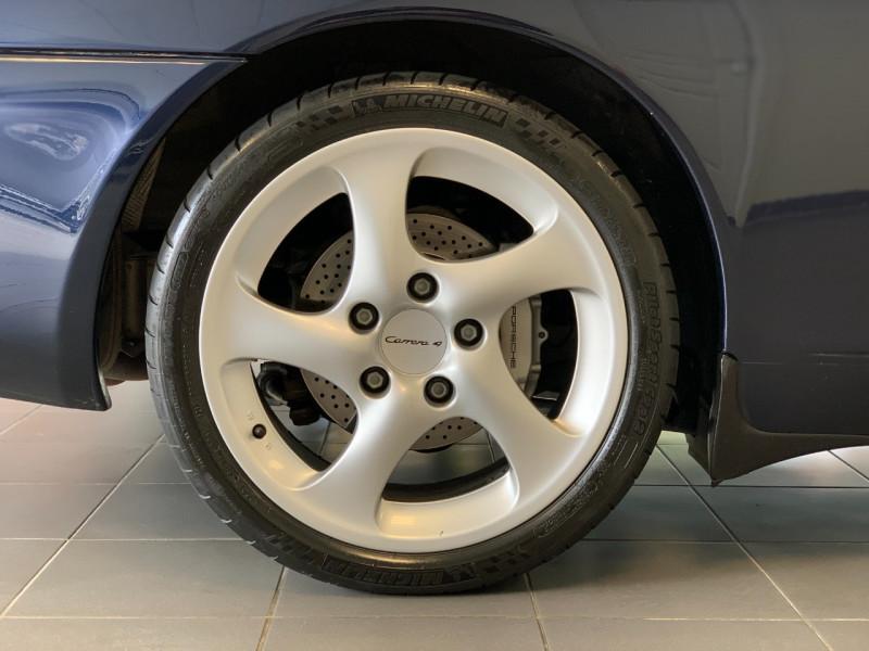 Photo 9 de l'offre de PORSCHE 911 CABRIOLET (996) 320CH CARRERA 4 TIPTRONIC à 48000€ chez Greencar France