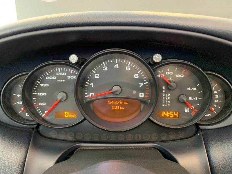 Photo 21 de l'offre de PORSCHE 911 CABRIOLET (996) 320CH CARRERA 4 TIPTRONIC à 48000€ chez Greencar France